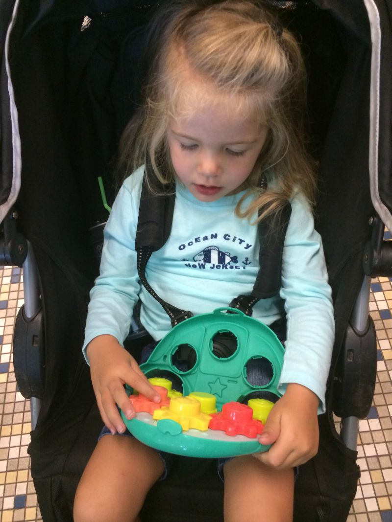 Playing in the stroller is easy with Roll'n Gears from Playskool! #PLAYSKOOLCREW