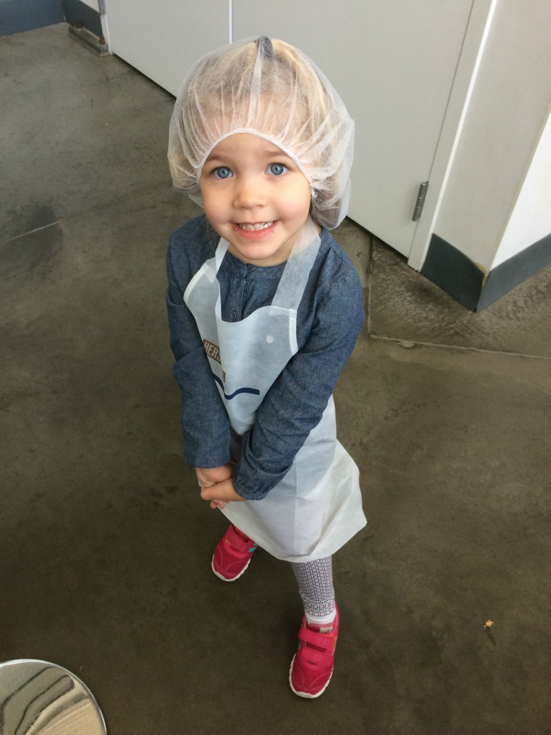 All ready to make her own chocolate bar #SweetestMoms #Hersheypa #ad