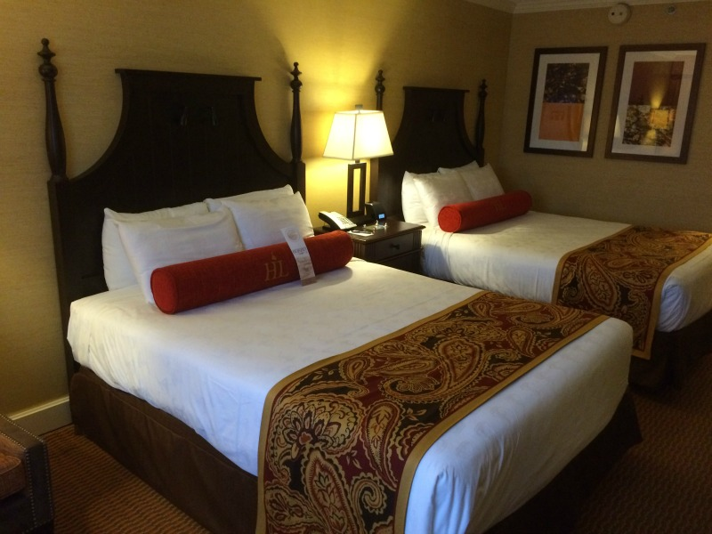 Comfortable accommodations at the Hershey Lodge #HersheyPa #ad