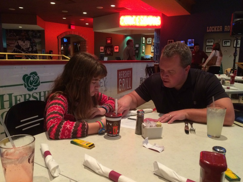 Dining at the Bears Den #ad #DininginHershey