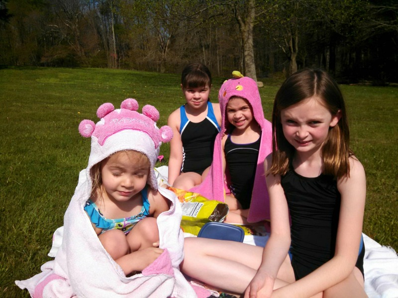 Picnics with friends are a great way to spend a warm Spring day #SpringSnacking #ad #CVS