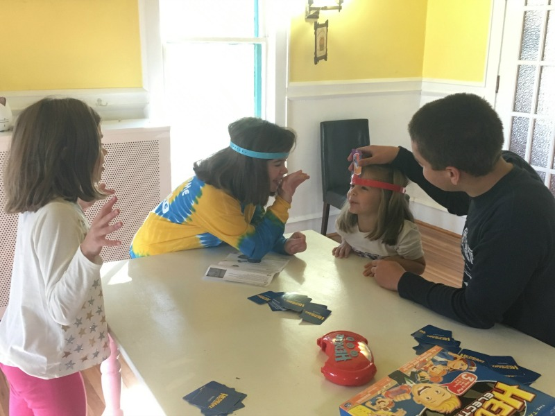 Family Fun with Hedbanz--everyone from mom and dad to teenagers and preschoolers can join in the fun! #HedBanzElectronic #CG #ad