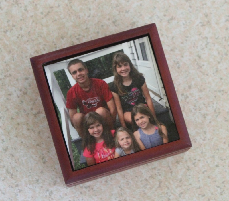 Photo Keepsake Boxes from CVS make great gifts. Upload your favorite photo, have it put on top of the Keepsake box and Grandma will have a gift she will treasure forever. #BringHolidaysToLife #ad #CVSPhoto
